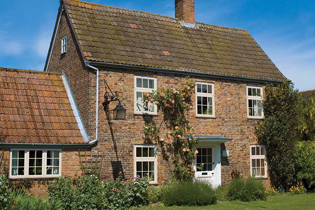 A Country Cottage in Oxfordshire With Period Sash Windows